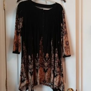 Pleaded tunic top